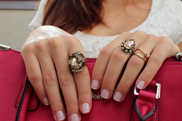 como usar varios aneis+maxi aneis+mais de um anel por mão+vogue+anna raquel acessórios+lolitas acessórios